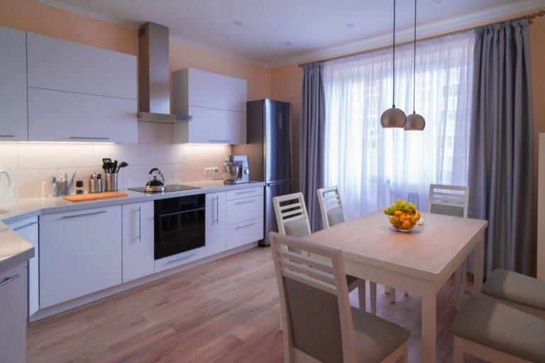 Como combinar piso vinílico com a mobília da casa