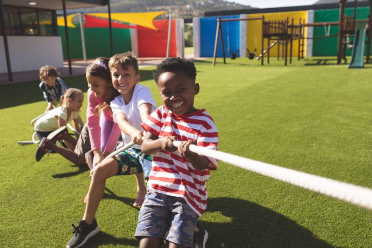 Conheça os pisos para playground